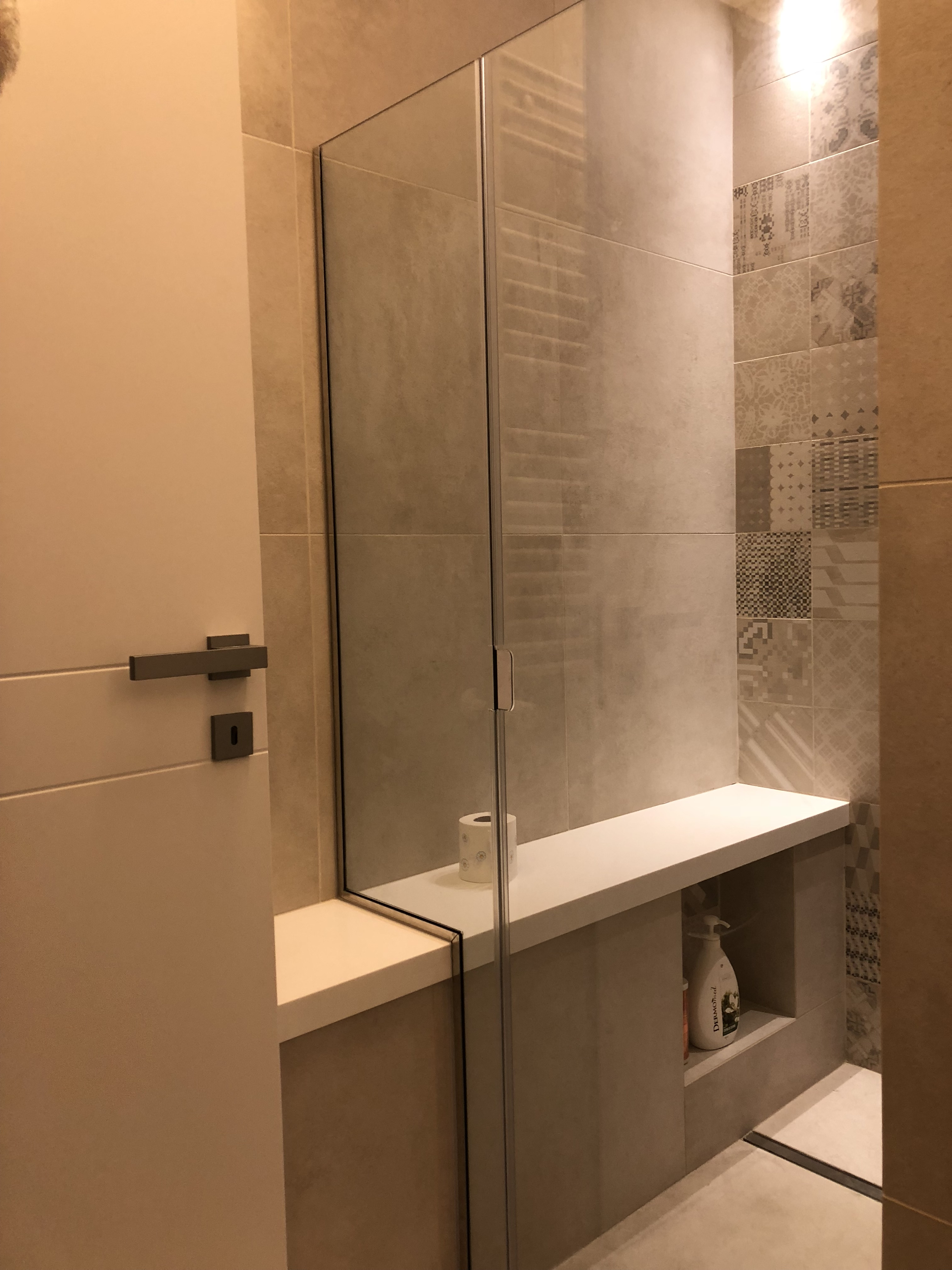 Vetreria pecci arredo bagno in vetro box doccia top da bagno in vetro sagomato a roma - Arredo bagni roma ...